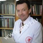 Абдрахманов Расим Миндрахманович — заведующий кафедрой дерматовенерологии Казанского государственного медицинского университета, доктор медицинских наук, профессор